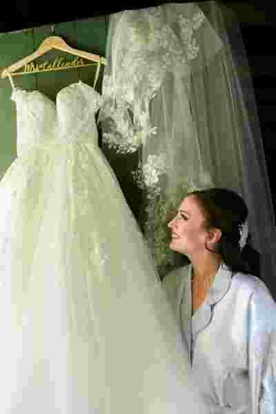Best Professional Luxury Dream Wedding Photography of Elegant Bride Traditional Dress Photo 22