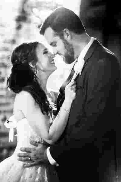 Best Traditional Wedding Photography Black White Bride Groom at Houmas House Plantation Louisiana Photo  63