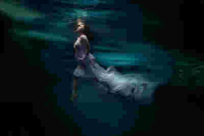 Nicolette Underwater Maternity 1135